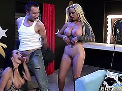 Nikki Benz with juicy jugs blows Keiran Lees pole with passion before she gets cornholded