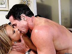 Peter North cant resist extremely hot Bree Olsons attraction and bangs her mouth like crazy