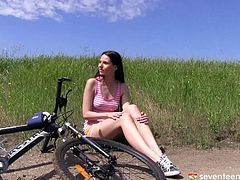 Hard nipples hottie on a bike ride needs to play with her cunt