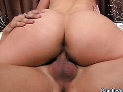 Samantha Ryan with phat butt does her best to make hard cocked dude Kris Slater cum
