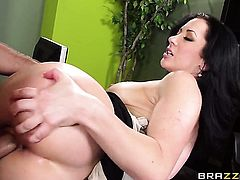 Jayden Jaymes with huge knockers gets her mouth stretched by Keiran Lees hard fuck stick