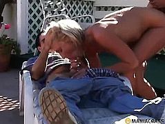 Double sex with maid