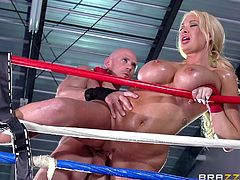 Keeping herself fit, one of slutty Summer's priorities. However, nothing compares to interacting with other players, like the bald pretender she has put eyes on, since stepping in the gym. Click to see the attractive lady undressing with sensual motions. And watch this blonde bitch with gorgeous tits banged!