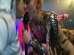 Miley Cyrus Kiss Girl