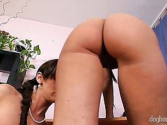 Cynthia Vellons takes Suzie Carina s fingers in her honeypot