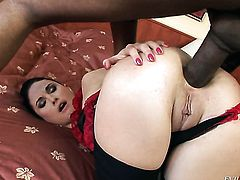 Kid Jamaica enjoys super sexy Alma Blues tight asshole in anal porn action