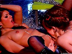 Capri Anderson and Shyla Jennings have a great time stimusexy each others pussy hole