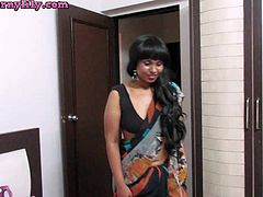 Indian Babe Lily Bhabhi Role Play Changing Sari