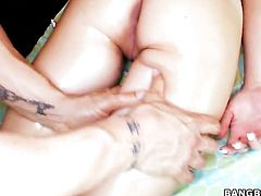 Natalie Heart with bubbly booty satisfies guys sexual needs and desires with her hands