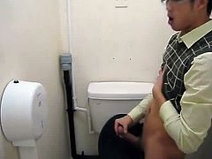 Str8 asian guy stroke in office toilet