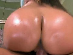 Jynx maze, a super cute chick with a fat ass. She is all oiled up and gets together with her friend from work who fucks her tight vagina with style