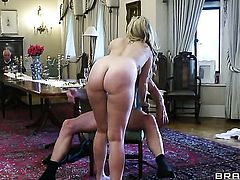Paige Turnah has some time to get some anal pleasure with hard dicked fuck buddy Jay Snake