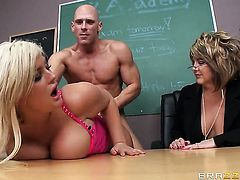 Julie Cash and Johnny Sins fucking