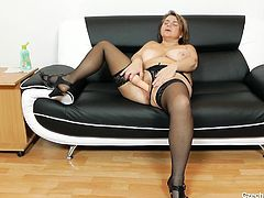 She is happy, healthy and very horny. Drahuse proudly shows off her pussy, spreading her lips for the camera to see. She gets out her vibrator and after sucking it a little, teasing the camera, she lets it going inside her. Watch and listen to her moan and spread her legs wide.
