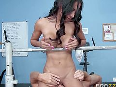 lusty girl gets dirty at the gym
