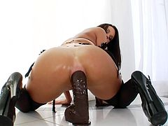 Prolapse and gaping with Roxy Raye and her girlfriend