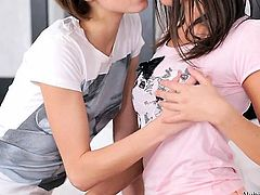Roommates Dila and Foxy Di explore some lesbian sex and