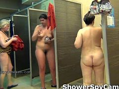 Hidden shoot nude woman in the shower room. All they not know about shoots and this reasl pleasure for real voyeur lover!