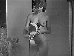 Naked yvonne plays with riding crop