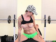 This slutty brunette believes that her body is her biggest asset. She slips into her skimpy sport clothes and heads for the gym. But she realizes, that she is not being left alone, while she works out. A man asks for her help with the weights and she can't say