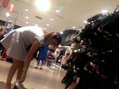 turkish milf upskirt at shopping