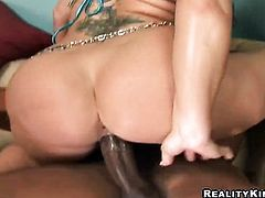 Blonde Sandra Romain with big butt and trimmed pussy is just another fuck toy of insatiable lesbian Flower Tucci