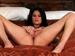 Vanessa Veracruz with giant breasts and clean bush opens her legs to fuck herself with toy