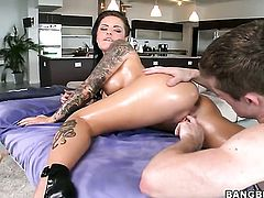 Christy Mack with giant breasts and shaved pussy cant resist the temptation to take heavy money shot on her face