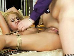Blonde whore Chary Kiss having unthinkable anal sex