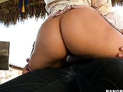 Brunette Karen Fisher with big ass and clean twat gets her snatch licked by Rachel Starr in lesbian action for your viewing enjoyment