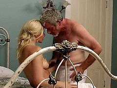 The blonde babe with a huge ass, Anikka Albrite is going to get some cum on ass from that old and pretty stiff cock. Hes going to make her cum and hes going to cum too