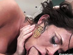 Savannah Stern gets mouth drilled the way she loves it
