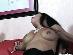 Mahina Zaltana takes dream cumshot on her face