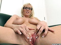 Blonde Kaylee Brookshire does lewd things and then gets her pretty face dreamed in jizz