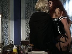 Nicki Hunter gets an anal gangbang
