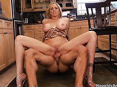 Julia Ann with big ass and trimmed muff finds her pussy full of love juice after sex with Alan Stafford