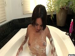 Pigtails babe in the bubble bath toy bangs her vagina