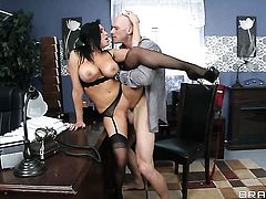 Johnny Sins gets turned on to the point of no return by Raven Bay with gigantic tits and then drills her mouth