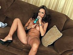Crissy Moran with juicy tits and smooth twat has some time to masturbate for cam