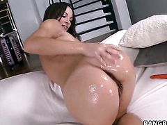 Huge dildo gets into a woman