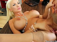 Van Wylde plays with lustful Summer Brielles slit before he fucks her hole with his throbbing worm