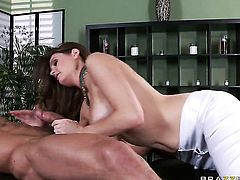Tommy Gunn plays with sexy bodied Allison Moores snatch before he fills her hole with his erect cock