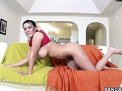 Brunette sexy Charley Chase with juicy bottom and Mariah Milano part their legs legs wide for each other and have lesbian fun