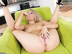 Blonde seductress Michelle Moist is too hot to stop masturbating