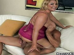 Blonde wants Billy Glides worm in her mouth desperately and gets it