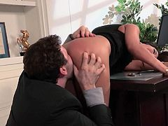Asa Akira gets her hot asian pussy licked and stroked