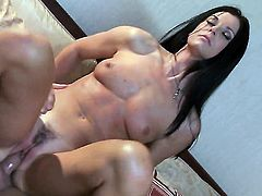 India Summer knows that massive cumshot is the only thing that can make her feel better