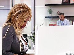 Shyla Stylez gets some in steamy sex session with Keiran Lee