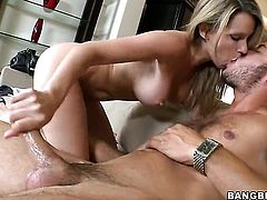 Blonde Courtney Cummz gives it to lucky man and makes him cum