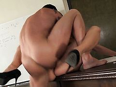 Gracie Glam cant resist the temptation to take heavy pop shot on her face